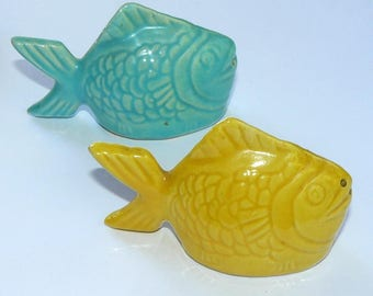 Vintage Bauer Chicken Of The Sea Salt And Pepper Shaker Set