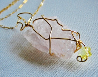 Rose Quartz Necklace, Crystal Jewelry, Wirewrapped Crystal, Raw Rose Quartz, Gold Crystal Necklace, Girlfriend Gift, Love Stone,Statement