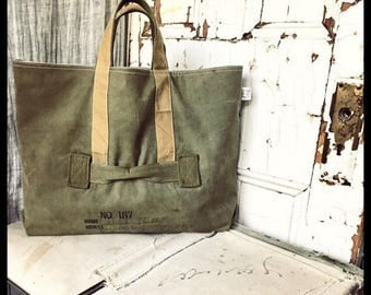No.187 - reconstructed vintage duffle tote bag