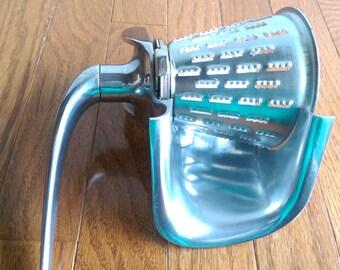 Vintage Wear-Ever Hand Grinder