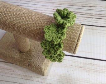 Green Flower Bracelet, Crochet Bracelet, Cotton Bracelet, Summer Bracelet, Boho Bracelet, Floral Bracelet, Flower Jewelry, Boho Jewlery