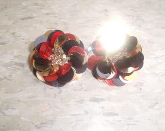 vintage clip earrings red black goldtone metal disk clusters