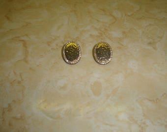 vintage clip on earrings hammered goldtone rhinestones