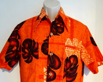 70s Hawaiian Tiki Print Safari Shirt / Bark Cloth with Tiki Print / Size Medium / Vintage Mens Tiki Shirt