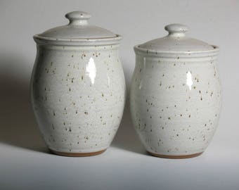 2 canisters glazed in white