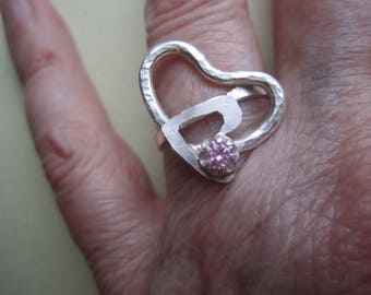 Pink Sapphire Ring ./. Two Hearts Ring ./. Faceted Sapphire Ring ./. Romantic Ring ./. Love Gift ./. Bague Pierre Rose ./. Made in Sweden