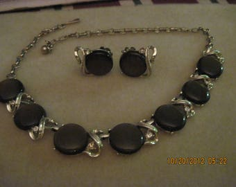 Vintage Coro Thermoset Rootbeer Moonglow & Rhinestone Round Necklace and Earring Set...2804