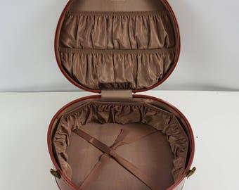 Mint Samsonite round suitcase / Vintage round suitcase luggage / Old suitcase carry on case / Round overnight case