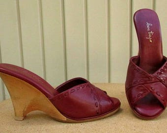 vintage 70s bare traps wine leather wood wedge heels slides sandals 7.5 8 made in brazil free shipping
