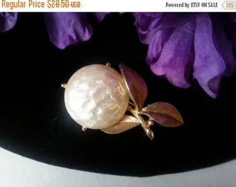 Now On Sale Signed Vintage Brooch - Sarah Coventry Colllectible Pin - 1960's 1970's Jewelry