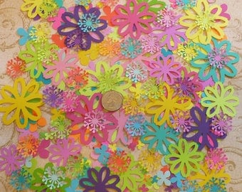 Flowers / - Die Cuts / Punchies / pieces Asst. Bright colors 4 cards crafts Tags Embellishments Cardstock