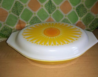 Vintage Pyrex Sunflower Yellow Double Casserole With Lid Daisy Yellow Kitchen 1960's