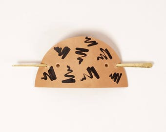 Brass and Leather Scribble Patterned Hair Cuff | Iaret