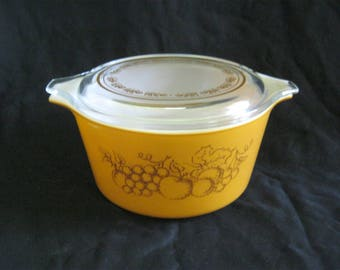 1960-70s PYREX #473 Ovenware Brown Fruit Orchard 1 Quart CASSEROLE with Lid