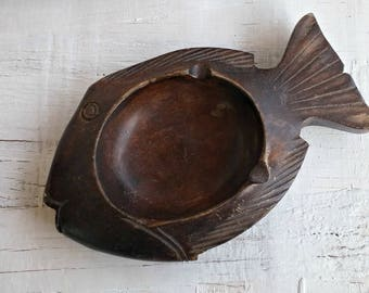 Vintage Wood Fish Ashtray, Wood Trinket Bowl Jewelry Dish, Hand Carved Wooden Fish Figurine, Rustic Western Decor Man Cave Gift Wood Planter