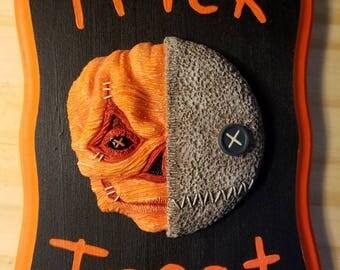 Trick 'r Treat Wall Hanging Sculpture Plaque V2