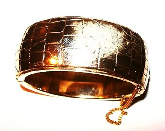 """Gold Cuff Bracelet Faux Leather Pattern Hinged Oval Security Chain 1"""" W Vintage"""
