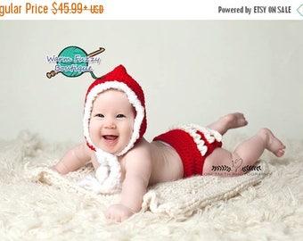 SUMMER SALE Baby Christmas Bonnet & Ruffle Diaper Cover Outfit - Crochet Newborn Boy Girl Christmas  Photo Prop Cap Outfit