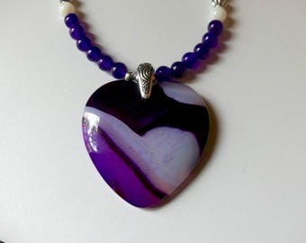 20 Inch Purple and White Agate Heart Necklace with Earrings