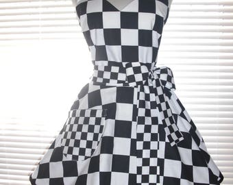 Retro Waitress Apron 50s Style Car Hop Black and White Checkered Circular Skirt Costume Apron