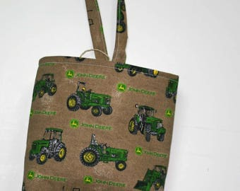 Waterproof, Wipeable and Washable Green Tractor Print Car Trash Bag