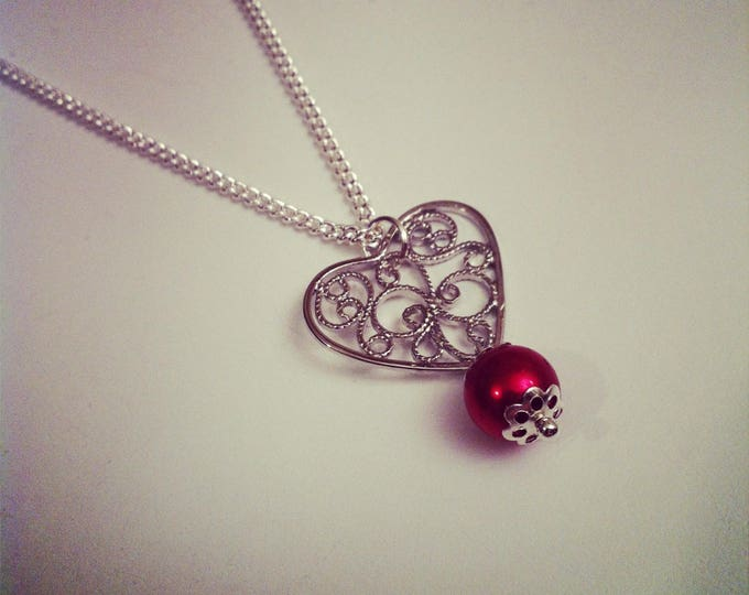 Openwork with red Pearl Heart pendant necklace