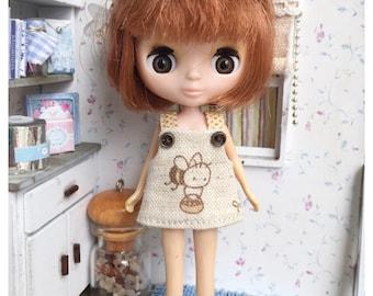 "Petite Blythe / Little Dal Outfit : ""Lovely Bee Dress"" (Dress)"