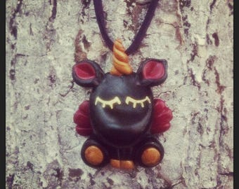 collier licorne black and gold