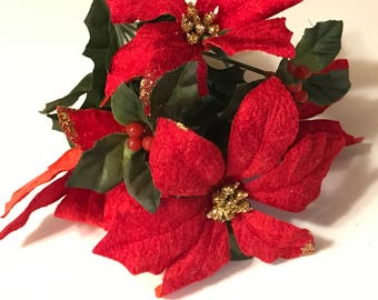 red with gold glitter and berry poinsettia flower bouquet (LR5)
