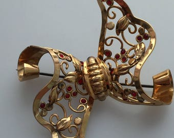 1940s Vintage BOW BROOCH Signed REGEL 1/20 12 Kt G.F. Gold Filled Bow Pin Retro Bow Brooch Openwork Design Faux Rubies
