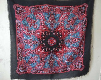 vintage 1970s scarf paisley acrylic 30 x 31 inches