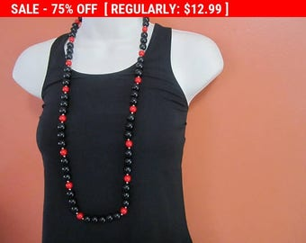SALE Red and black beaded necklace, statement necklace, hippie, boho, estate jewelry