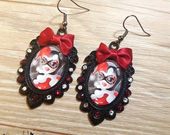 Handmade Harley Quinn earrings // DC comics tribute