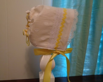 Baby girl Sun bonnet white & yellow laced infant toddler