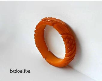 CIJ SALE Vintage Bakelite Bangle Bracelet Melon Cantaloupe Deeply Carved High Relief