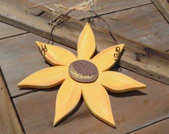 Hanging Wooden Sunflower, Wood Sunflower Sign, Wood Sunflower, Hand-painted Sunflower, Sunflower decor, Fall decor, Sunflower doorhanger