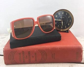 SUMMER SALE Amazing Vintage Mod Silhouette Sunglasses