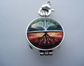 55mm Glass Aromatherapy Essential Oil Diffuser Locket, Round Antique Silver Tree Locket with Cabochon Settings, Half-Price!! C570