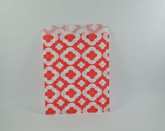 8 red arabesque pattern paper bags