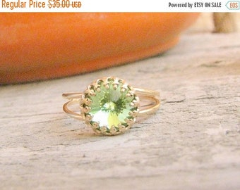 SALE - Peridot ring - Peridot ring gold - Vintage Peridot ring - Peridot cocktail ring - Vintage ring - Green stone ring