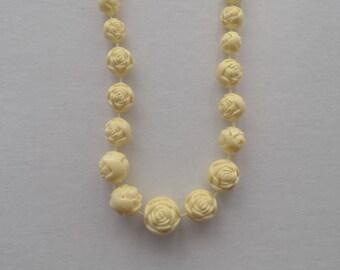 Retro Plastic White Rose Necklace