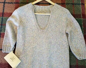 Hand made Sweater size is small #32CSMPOLOHEATHER
