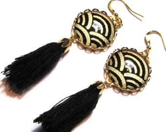 Cabochons, Japanese paper and PomPoms - black and gold earrings