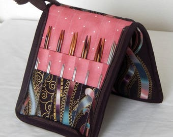 24 pair capacity Interchangeable knitting needle and crochet hook keeper case sized to hold up to US 11