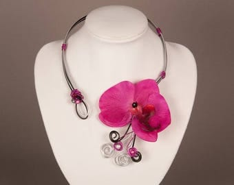 "Fancy ""ORKIDELA"" fuchsia-black-silver, gorgeous Orchid Necklace"