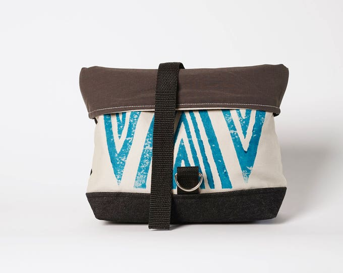 Roll bag Teal Arrow Print