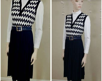 Vintage 70s Pleated blue and white dress size 12