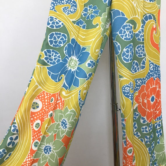 Vintage trousers 1970s pants flared trousers flowery 60s crimplene pants flower power straight cut UK 8 10 US 4 6 hippie Mod elastic waist