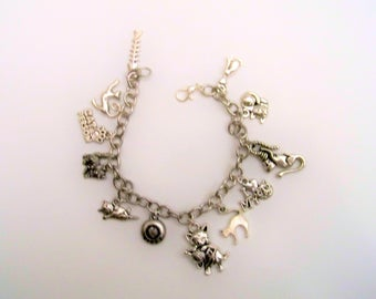 Cat Charm Bracelet, Cats Meow, Cat Jewlery, Crazy Cat Lady Bracelet, I Love Cats Gift, Gift for the Cat Lover, Cat Owner Jewelry, Cat Lover
