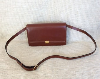 Genuine vintage Bally tan leather shoulder bag cross body with kisslock crossbody mint condition